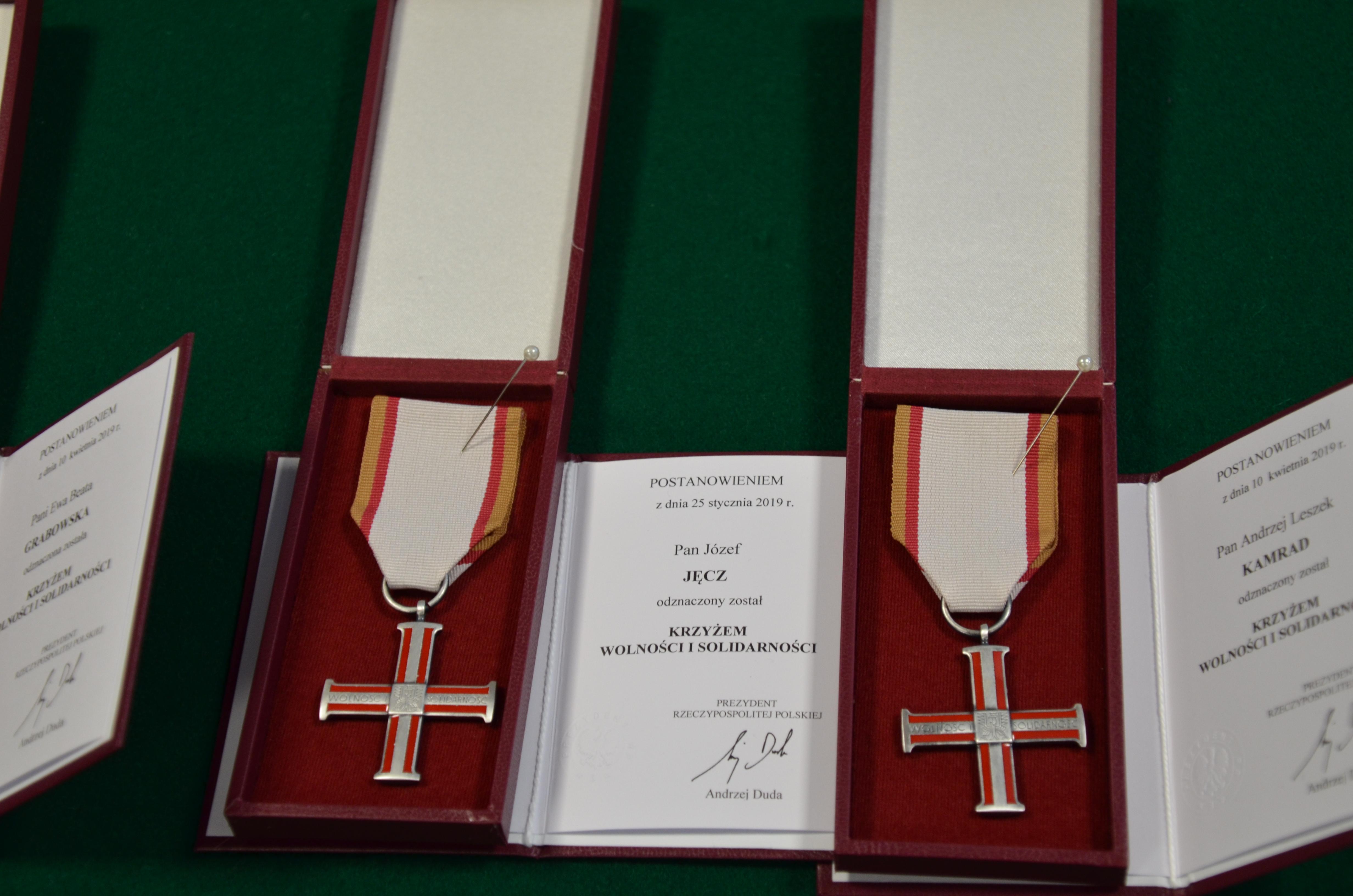 Krzyż Wolności i Solidarności dla członka zarządu LGR Obra – Warta Pana Józefa Jęcza