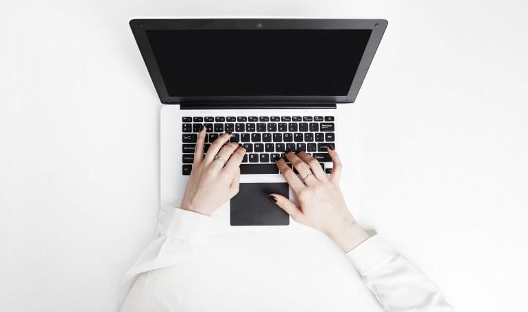 Zakup komputera przenośnego wraz z oprogramowaniem i drukarką